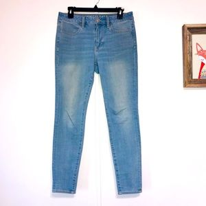 American Eagle High Rise Skinny Jeans Size 6